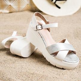 Small Swan Sandałki Na Koturnie białe srebrny 1