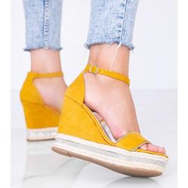 Musztardowe sandały na koturnie z cyrkoniami Sun Sparrow żółte 2
