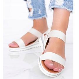 Beżowe sandały na grubej podeszwie Cro beżowy 2
