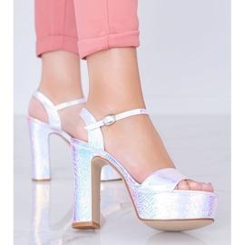 Srebrne holograficzne sandały na słupku Diane srebrny 1