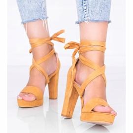 Camelowe sandały wiązane Ginny brązowe 1