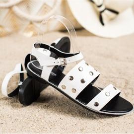 Goodin Białe Sandały Z Dżetami 3