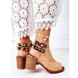 Zamszowe Sandały Na Słupku Lu Boo Camel Leopard brązowe 3