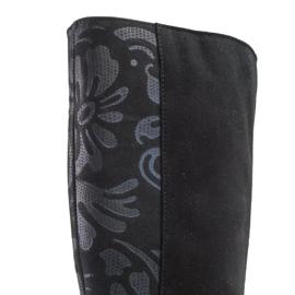 Marco Shoes Czarne skórzane kozaki w szpic z dodatkiem w kwiaty 6