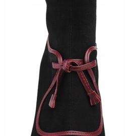 Marco Shoes Skórzane kozaki z czarnego zamszu z fioletowym obcasem oraz fioletowymi wstawkami fioletowe 4