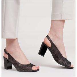 Marco Shoes Czarne sandały Marco z metalicznym wzorem 1