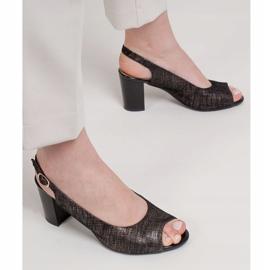 Marco Shoes Czarne sandały Marco z metalicznym wzorem 2