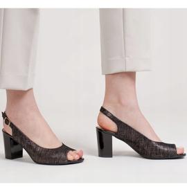 Marco Shoes Czarne sandały Marco z metalicznym wzorem 5