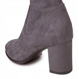 Marco Shoes Wysokie i dopasowane szare kozaki damskie wykonane ze stretchu 5