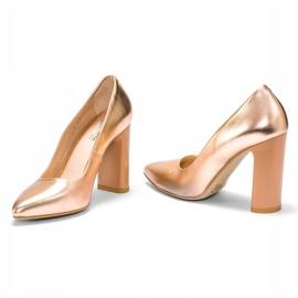 Marco Shoes Eleganckie czółenko metaliczne ze skóry na wyższym obcasie wielokolorowe pomarańczowe 1