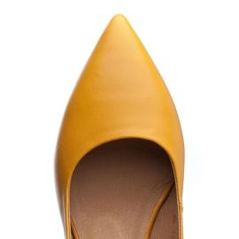 Marco Shoes Żółte sandały ze skóry z ozdobnymi jetami 4