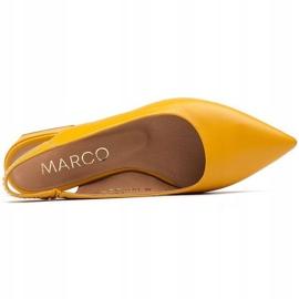 Marco Shoes Żółte sandały ze skóry z ozdobnymi jetami 6