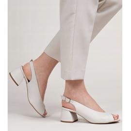 Marco Shoes Białe sandały 1573P ze skóry na stabilnym obcasie 2