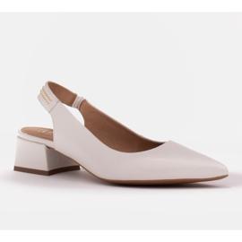 Marco Shoes Białe sandały z jetami 1