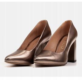 Marco Shoes Brązowe czółenka damskie z naturalnej skóry metalicznej 4