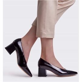 Marco Shoes Eleganckie czarne czółenka damskie z lakieru 1