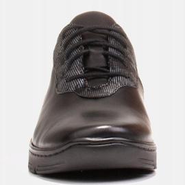 Radoskór Wygodne czarne półbuty damskie na szerszą stopę 2