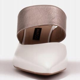 Marco Shoes Eleganckie klapki damskie na lato beżowy białe 3