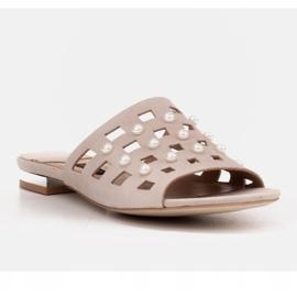 Marco Shoes Eleganckie klapki damskie z perłami i perforacją beżowy 1