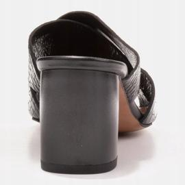 Marco Shoes Skórzane klapki damskie ze skóry w pocięte pasy czarne 5