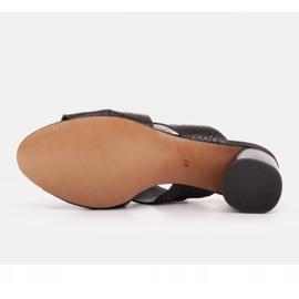 Marco Shoes Skórzane klapki damskie ze skóry w pocięte pasy czarne 8