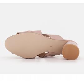 Marco Shoes Skórzane klapki damskie ze skóry w pocięte pasy beżowy 7