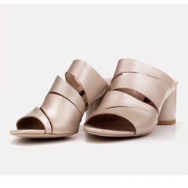 Marco Shoes Klapki damskie ze skóry, pocięte pasy złoty 6
