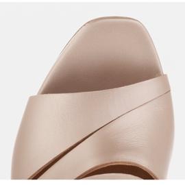 Marco Shoes Klapki damskie ze skóry, pocięte pasy złoty 9