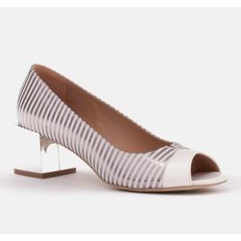 Marco Shoes Czółenka damskie w metaliczne paski z otwartym przodem białe srebrny 1