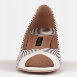 Marco Shoes Czółenka damskie w metaliczne paski z otwartym przodem białe srebrny 2