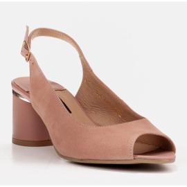 Marco Shoes Eleganckie sandały damskie z metalicznym akcentem różowe 1