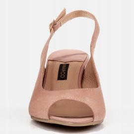 Marco Shoes Eleganckie sandały damskie z metalicznym akcentem różowe 2
