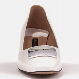 Marco Shoes Czółenka z metalicznym obcasem i płaską ozdobą chromowaną białe 3