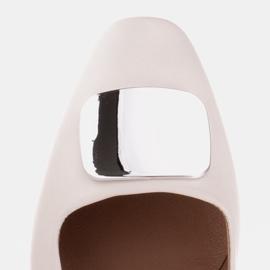 Marco Shoes Czółenka z metalicznym obcasem i płaską ozdobą chromowaną białe 8