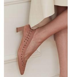 Marco Shoes Czółenka damskie z ciekawą perforacją różowe 1