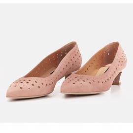 Marco Shoes Czółenka damskie z ciekawą perforacją różowe 6