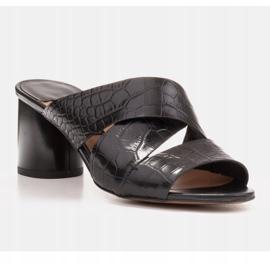 Marco Shoes Skórzane klapki damskie ze skóry w pocięte pasy czarne 2