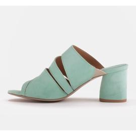 Marco Shoes Klapki damskie ze skóry, pocięte pasy zielone 4