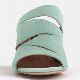 Marco Shoes Klapki damskie ze skóry, pocięte pasy zielone 5
