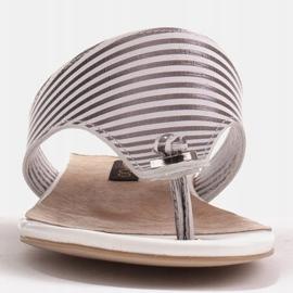 Marco Shoes Płaskie sandały z lakieru i metalicznym obcasem białe srebrny 1