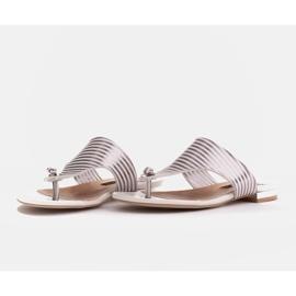 Marco Shoes Płaskie sandały z lakieru i metalicznym obcasem białe srebrny 4