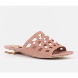 Marco Shoes Eleganckie klapki damskie z perłami i perforacją różowe 1