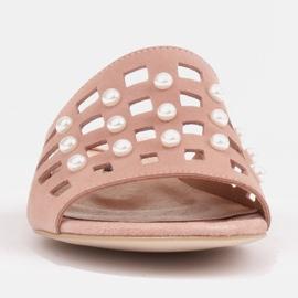 Marco Shoes Eleganckie klapki damskie z perłami i perforacją różowe 3