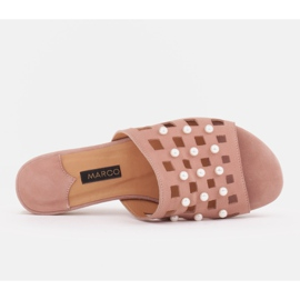 Marco Shoes Eleganckie klapki damskie z perłami i perforacją różowe 5
