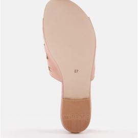 Marco Shoes Eleganckie klapki damskie z perłami i perforacją różowe 6