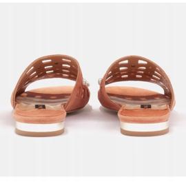 Marco Shoes Eleganckie klapki damskie z perłami i perforacją pomarańczowe 4