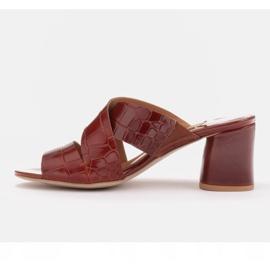 Marco Shoes Skórzane klapki damskie ze skóry w pocięte pasy czerwone 3
