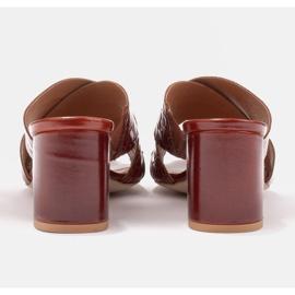 Marco Shoes Skórzane klapki damskie ze skóry w pocięte pasy czerwone 4