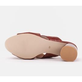 Marco Shoes Skórzane klapki damskie ze skóry w pocięte pasy czerwone 7