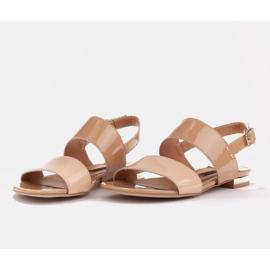 Marco Shoes Płaskie sandały z lakieru i metalicznym obcasem beżowy 6